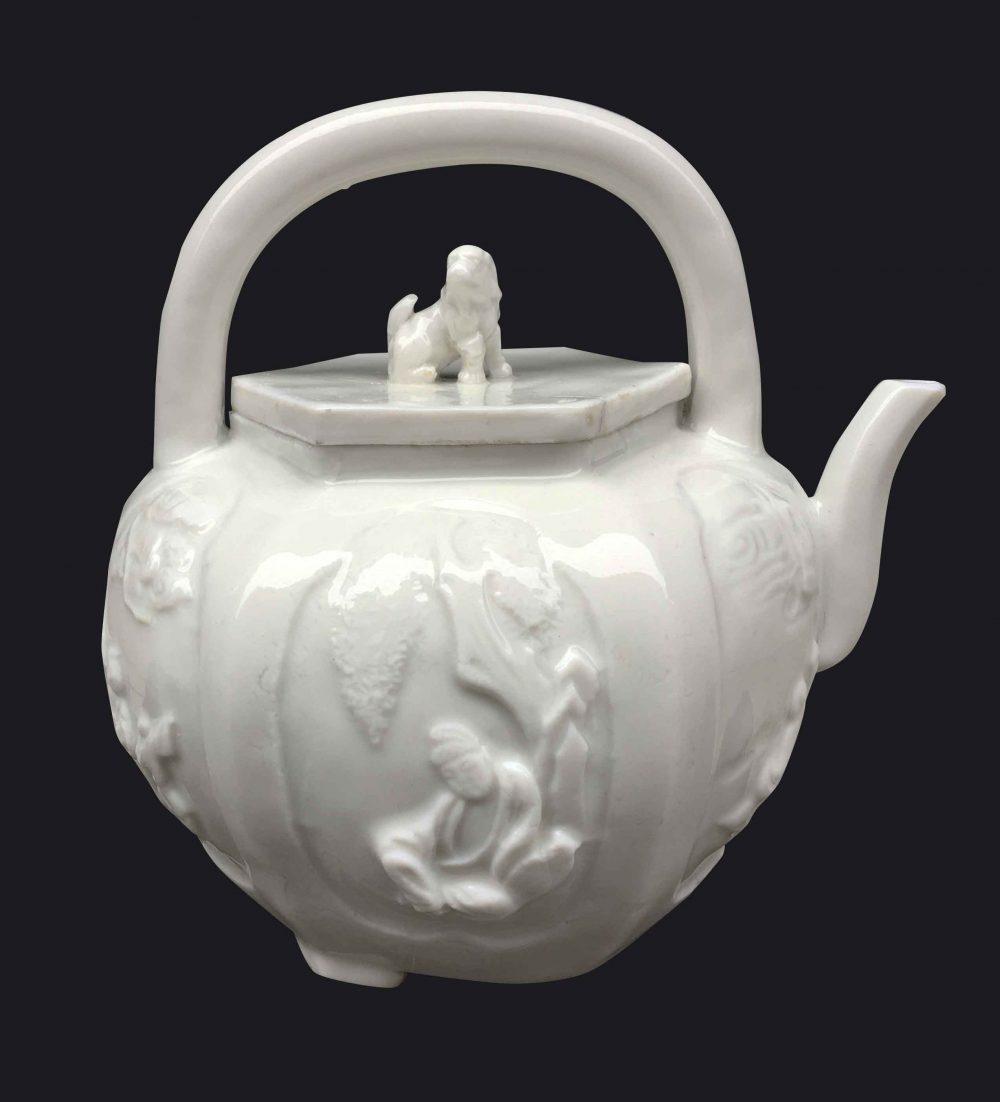 Porcelaine Kangxi (1662-1722), circa 1650-1700, Chine (Dehua, Fujian)