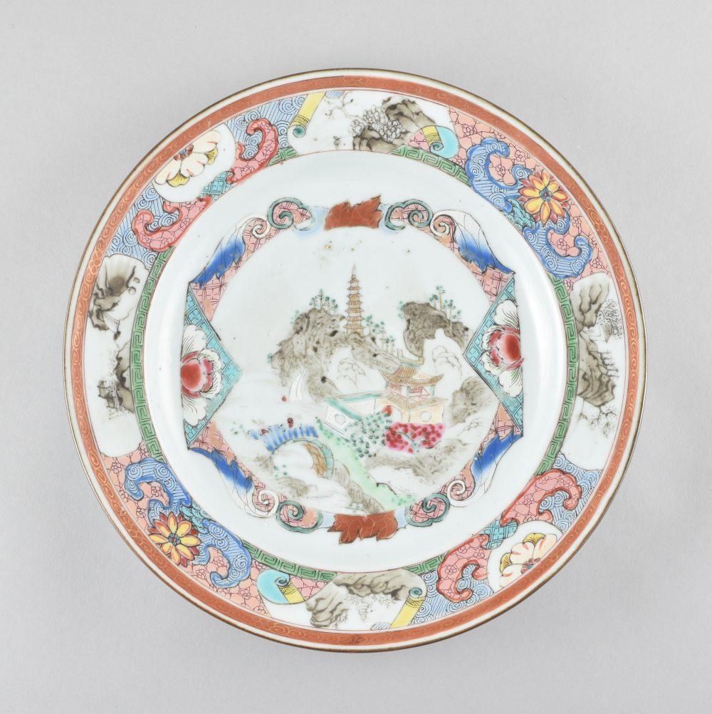 porcelaine Yongzheng (1723-1735) ou Qianlong period (1736-1795), circa 1730-1740, Chine